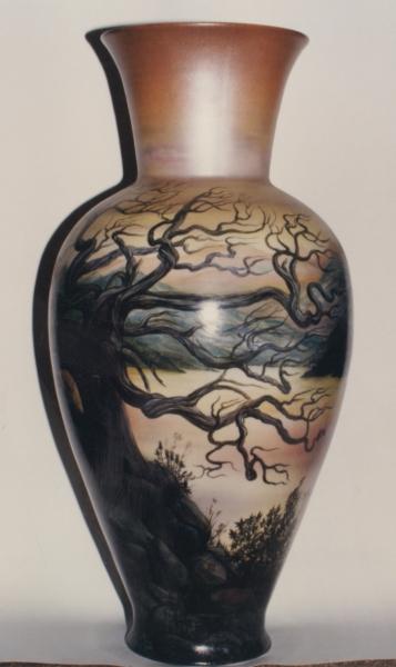 ваза с пейзажем